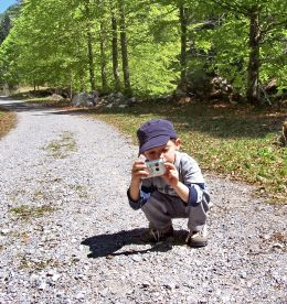 Kids Digital Cameras - A Scavenger Hunt Activity